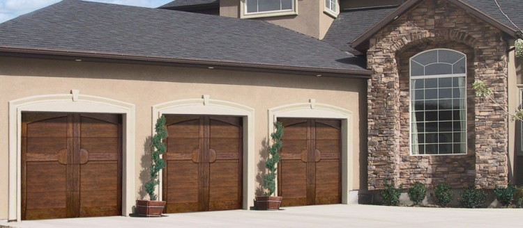 Custom Wooden Garages in Denver