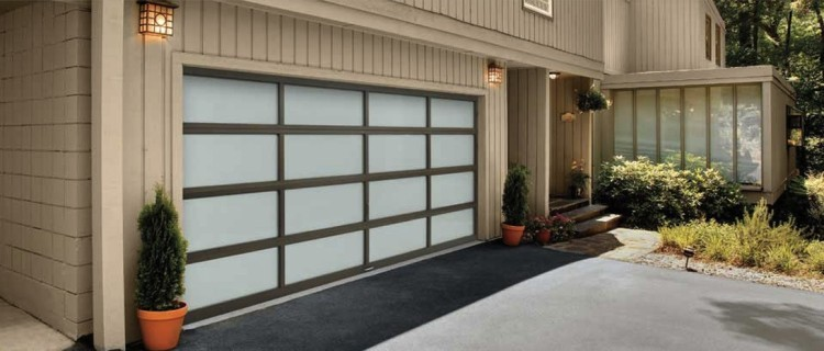 Clopay Avante Slide COHDC - maintaining your garage door