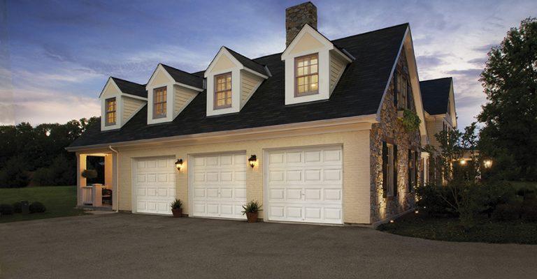 three garage dors